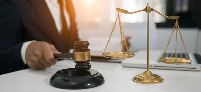 Jury vs. Judge: Pros and Cons of Each Option